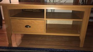 Beautiful sturdy tv console table for Sale in Centreville, VA
