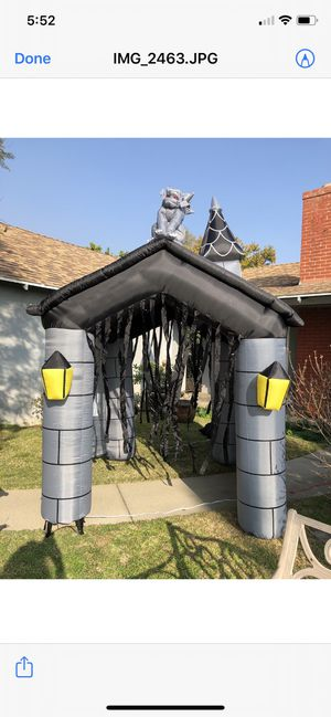 Gemmy Airblown Halloween Haunted House w/ 11ft Tower Lights & Strobe & Sound for Sale in Pasadena, CA
