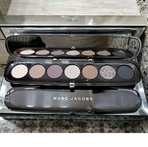 Marc Jacobs Eye-Conic Multi-Finish Eyeshadow Palette for Sale in Bolingbrook, IL