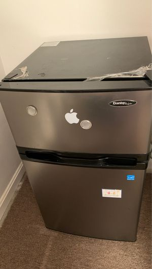 Mini fridge very good condition. for Sale in Silver Spring, MD