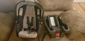 Graco infant car seat for Sale in West Jordan, UT