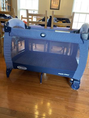 Graco Pack 'n Play Portable Seat & Changer Play Yard for Sale in Florence, KY