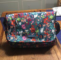 Vera Bradley Laptop Messenger Crossbody bag for Sale in Shelbyville,  TN
