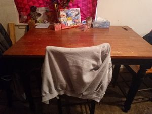 Brown and black kitchen table for Sale in Tacoma, WA