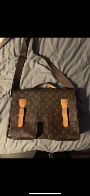 Louis Vuitton Broadway Messenger Bag for Sale in Carson, CA