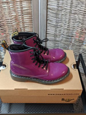 Dr. Martens 1460 Originals 8 Eye Lace Up Boot Purple Patent Leather Size 4 for Sale in Milwaukee, WI