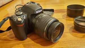 Nikon D40 with kit lens, prime lens, and zoom lens for Sale in Porter Ranch, CA