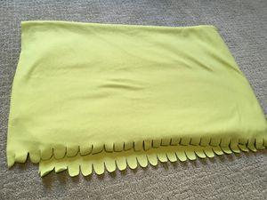 Lime Green Throw Blanket $5 for Sale in Scottsdale, AZ