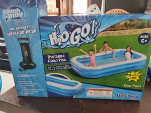 RECTANGLE FAMILY POOL WITH AIR PUMP AND A FLOAT for Sale in Miami, FL