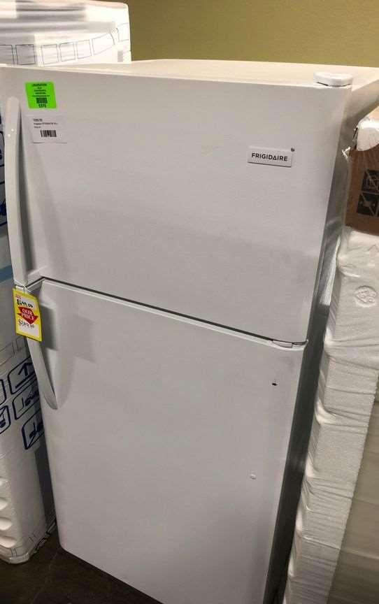Frigidaire Top Freezer Refrigerator 💲💲💲
