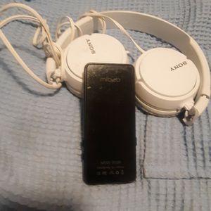 32gb Mibao MP3 player and Sony Headphones for Sale in Spokane, WA