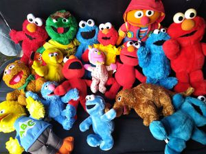 GIANT SESAME STREET LOT for Sale in Sacramento, CA