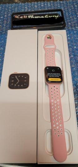 Apple watch 4th gen 44mm Cellular LTE + GPS UNLOCKED Pink for Sale in Phoenix,  AZ