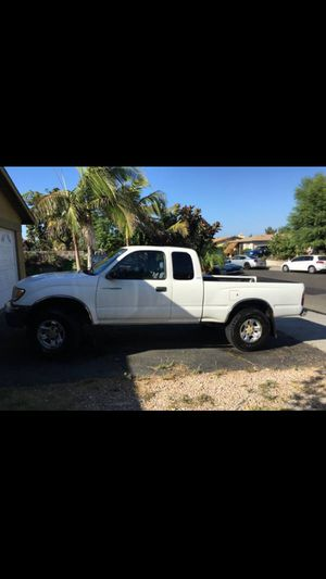 Toyota Tacoma SR5 6 cylinder for Sale in Valley Center, CA