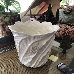 Vintage Porcelain Pot for Sale in Fort Lauderdale, FL