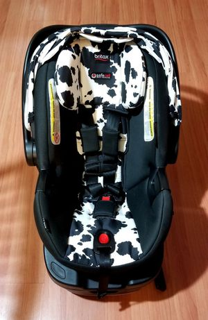 Britax B-Safe 35 Infant Car Seat - Rear Facing 4 to 35 Pounds - Reclinable Base (Camouflage) MINT CONDITION hardly used includes 2 BASES for Sale in San Diego, CA