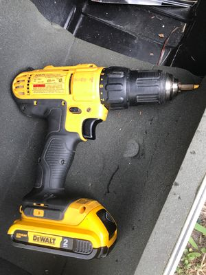 Dewalt drill and battery for Sale in Fort Lauderdale, FL