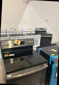 ELECTRIC Stove and Oven Range LG/GE/Whirlpool 52U 3 for Sale in Chino,  CA