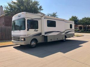 2004 Fleetwood Flair Motorhome With two slide outs 36k miles for Sale in Haltom City, TX