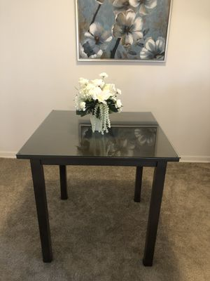 Kitchen Table with thick Glass Top for Sale in Columbia, MD