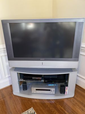 """FREE 42"""" tv with stand, receiver, surround sound for Sale in Holly Springs, NC"""