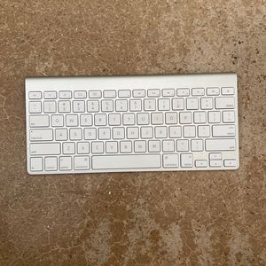 Keyboard For Apple for Sale in Phoenix, AZ