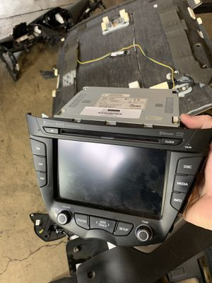 12-17 Hyundai Veloster - Entertainment System for Sale in Melrose Park, IL