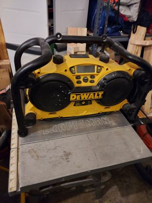 Dewalt radio 18volt for Sale in Vancouver, WA