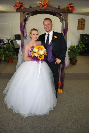 David's bridal Wedding ball gown Size 4 for Sale in Johnson City, TN