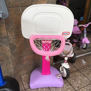Little Tikes purple and pink basketball hoop and stand for Sale in Florissant, MO