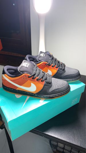 Nike Dunk SB Low Reverse Raygun Size 8 for Sale in Los Angeles, CA