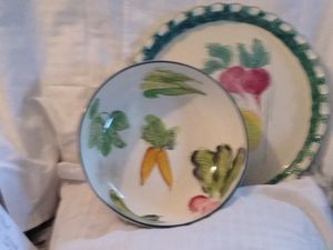 Vegetable platter and salad bowl for Sale in Fort Worth, TX