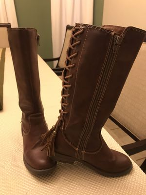 Size 13 Girl Brown Boots LIKE NEW for Sale in Mission, TX