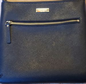 Small Kate Spade crossbody for Sale in Merced, CA