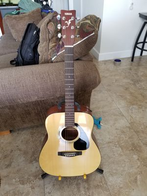 Yamaha Steel String Acoustic Guitar Bundle for Sale in Miami, FL
