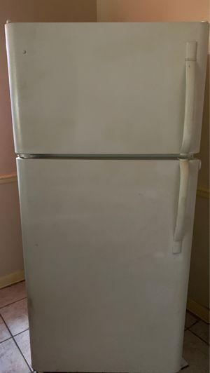 Refrigerator (needs repair) for Sale in Winter Haven, FL