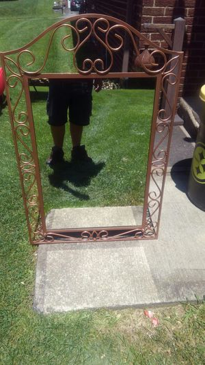 Metal frame Mirror for Sale in Aliquippa, PA