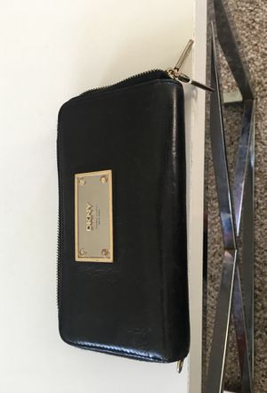 DKNY Wallet for Sale in San Diego, CA