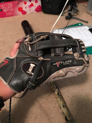 Louisville Slugger flare baseball glove for Sale in Seattle, WA