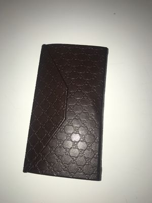 Gucci wallet for Sale in Chillum, MD
