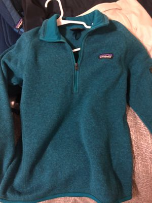 Patagonia sweater SMALL for Sale in Fresno, CA