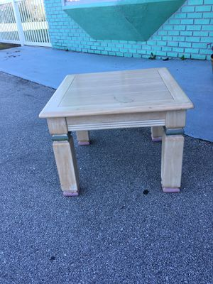 Corner table real wood for Sale in Frostproof, FL