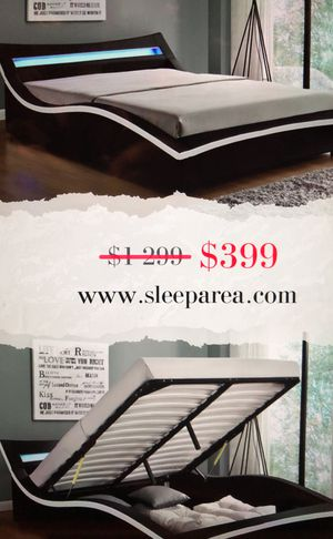 Italy Wave-Like Modern Design Upholstered Platform Bed (Queen) for Sale in Chicago, IL