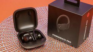 Powerbeats pro for Sale in Miami, FL