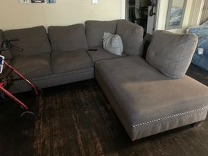 Sectional with ottoman for Sale in San Bernardino, CA