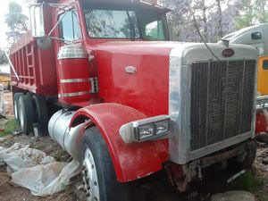 1989 357 pete clean title need a motor and the cylinder to raise the bed for Sale in Lithonia, GA