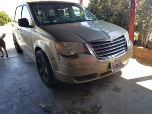 2009 chrysler town & country for Sale in Woodville, CA