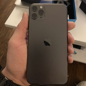iPhone 11 Pro Max 256gb for Sale in West Haven, CT