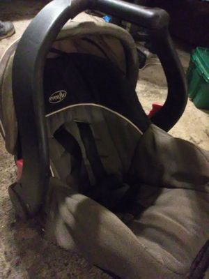 Evenflo Infant Car seat for Sale in Greensboro, NC