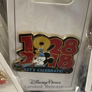 Disney Anniversary Pin for Sale in Fullerton, CA